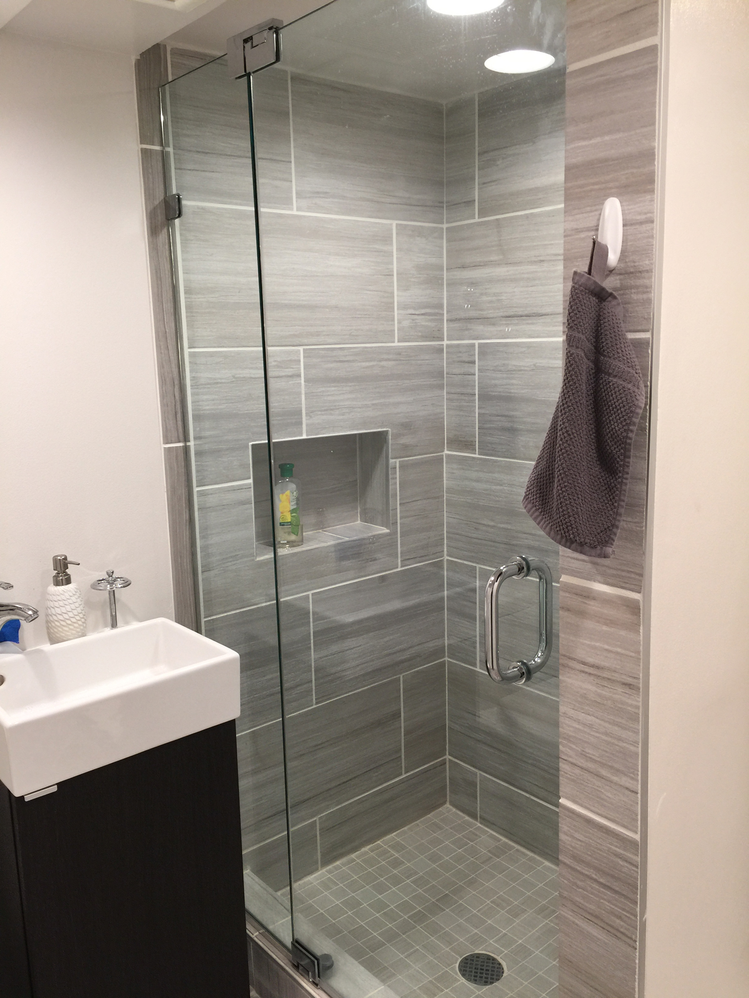 Small bathroom frameless shower door installation wayne nj for Bathroom shower stall replacement
