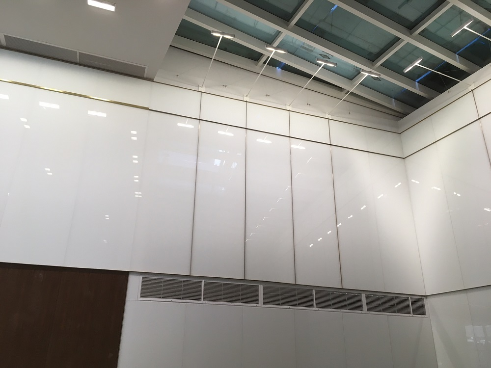 Ac Hotel Architectiral White Backpainted Glass 13